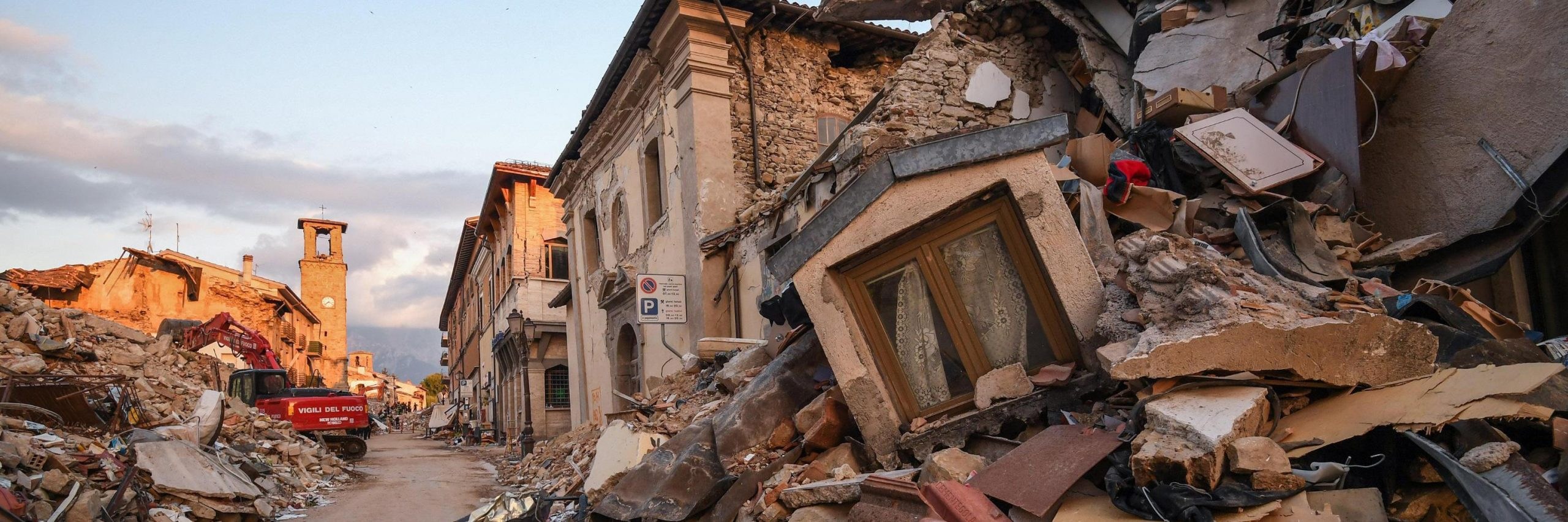 consegnati_i_fondi_per_amatrice_popoli_per_il_terremoto